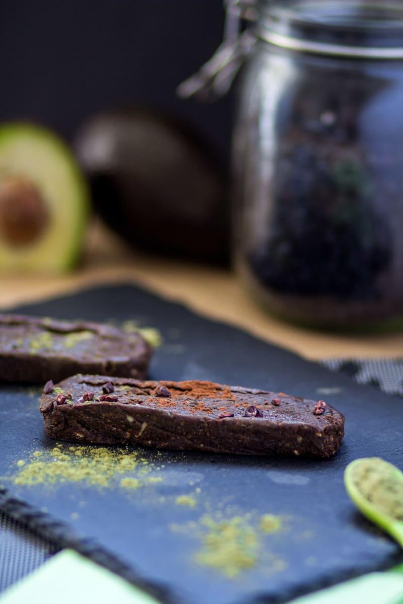 Superfood Proteinriegel Avocado Schoko vegan