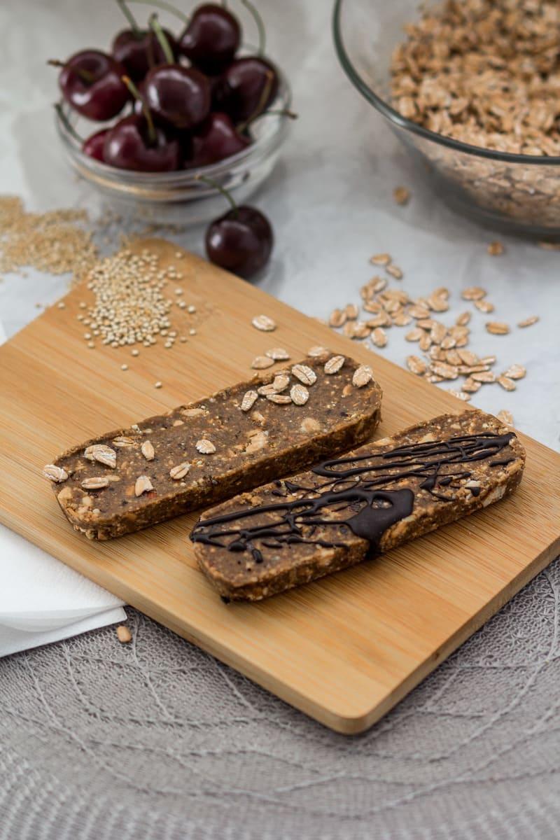 Süßigkeitenersatz Proteinriegel Mandel Kirsche Schoko vegan