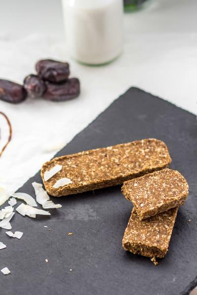 Süßigkeitenersatz Kokos Karamel Proteinriegel Makronährstoffe