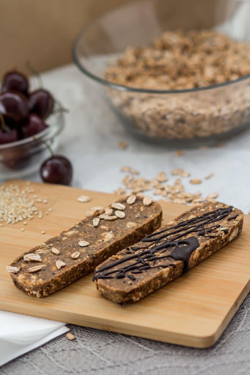Süßigkeitenersatz Mandel Kirsche Schoko Proteinriegel Makronährstoffe
