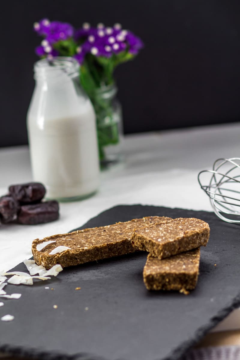 Süßigkeitenersatz Proteinriegel Kokos Karamel vegan