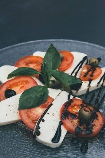 Cashewkäse nach Mozzarella Art -